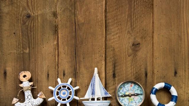 Liebevoll ausgewählte Accessoires verstärken die Illusion von einem Tag am Meer.