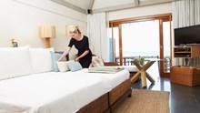 Nettoyage du logement: chambres à coucher et salle de séjour