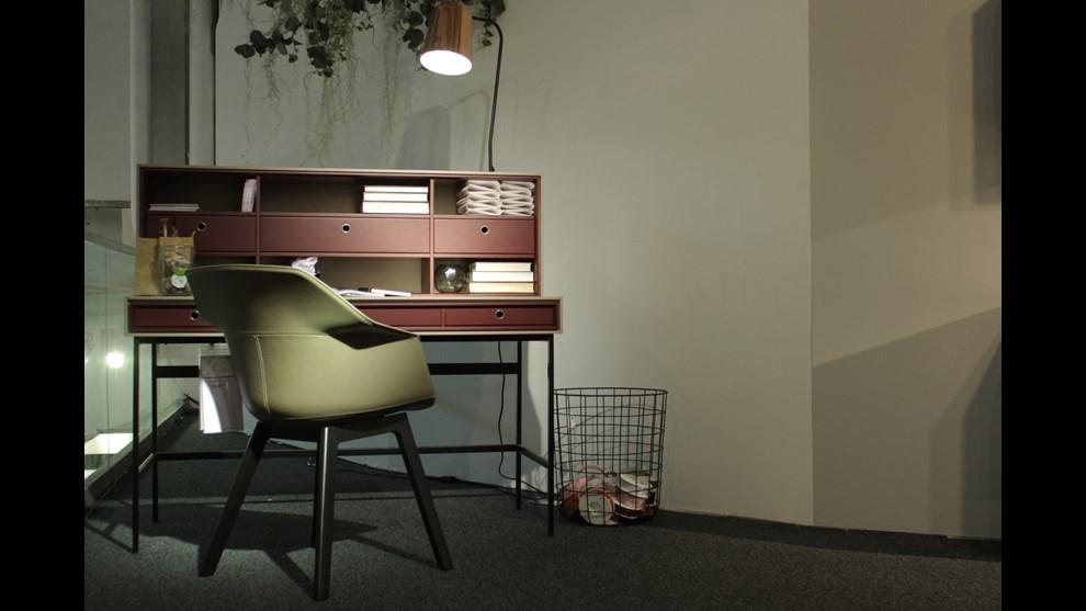 serie interior perlen von schweizer designern. Black Bedroom Furniture Sets. Home Design Ideas