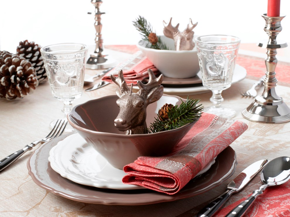 weihnachtsdekoration den tisch festlich dekorieren. Black Bedroom Furniture Sets. Home Design Ideas
