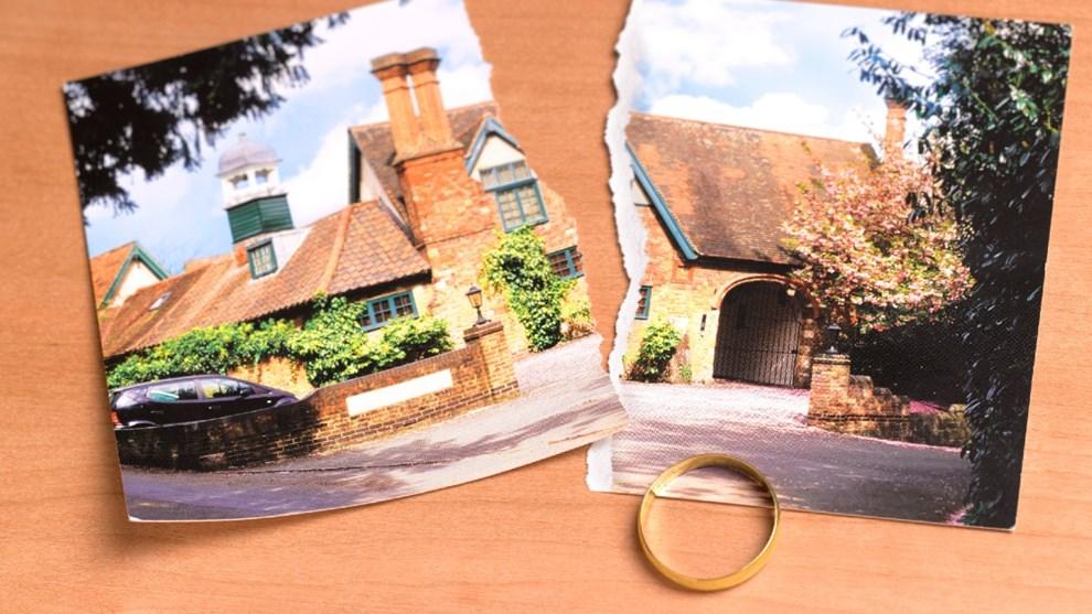 La vente d'une maison après une divorce ou une séparation est difficile - nous vous aidons avec notre guide